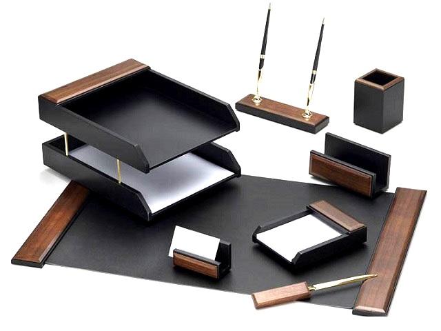 Настольный набор, деревянный, 8 предметов (подложка на стол, подставка для ручек с 2 ручками, подставка для бумаги, подставка для пишущих принадлежностей, подставка для визиток, 2-х ярусный лоток для бумаг, нож для бумаг), орех, Good Sunrise