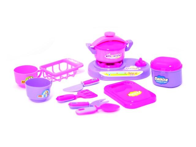 Посуда 10предм пласт Deluxe Наша игрушка в пак Y5399140/1
